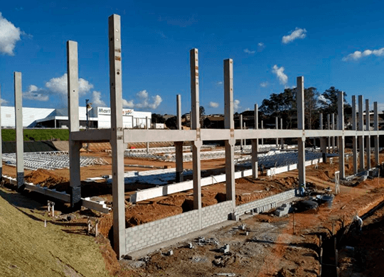ASSEMBLY OF PRECAST PILLARS AND BEAMS